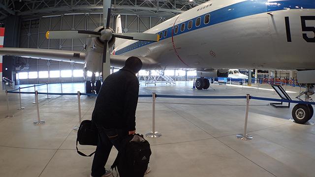 ミュージアムというよりも飛行機の倉庫に迷い込んでしまった感じですね。