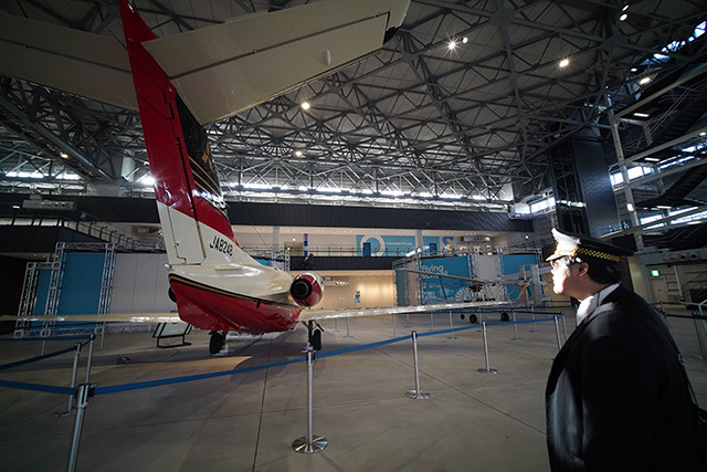これは三菱重工のMU-300。ビジネス用のジェット機である。