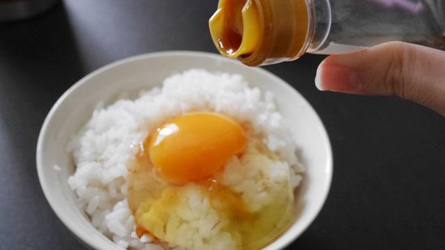 加熱がわずらわしいせっかち勢に重宝される生卵(写真はこちらの記事</a>より)