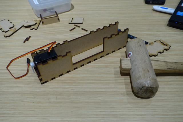 ※レーザーカッターは「ジグザグを作ってはめ合わせるだけの道具」ではありません。