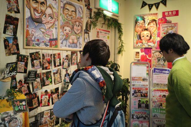 店内には様々な似顔絵が展示されていて、思わず見入ってしまう