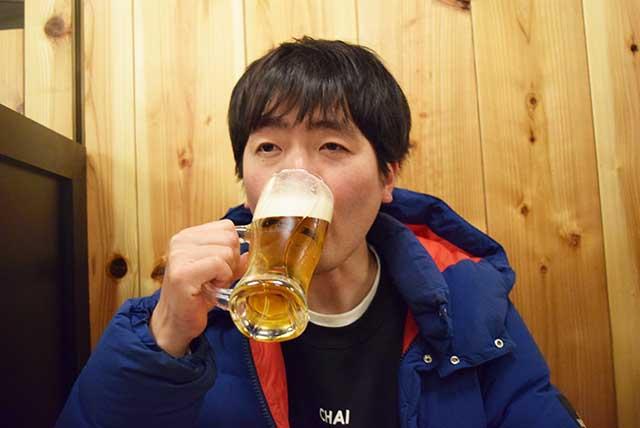 おそるおそる生ビールを飲んでみる