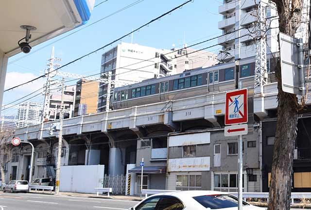 大阪方面へ向かう電車のスピードよ