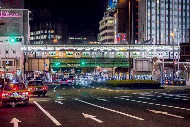 しばしば利用する山手線五反田駅。そうだよ、ここも道の上の駅だよ。