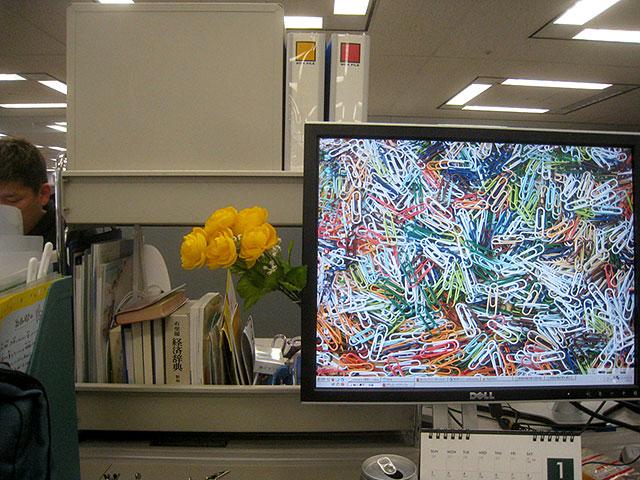 花を飾れば殺風景だったオフィスが一気に華やかに!