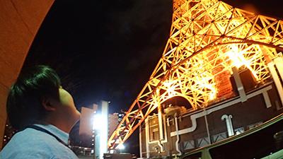 帰りに二人で見上げた東京タワーがきれいでした。