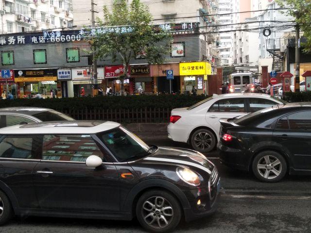 中国名物の渋滞にあう
