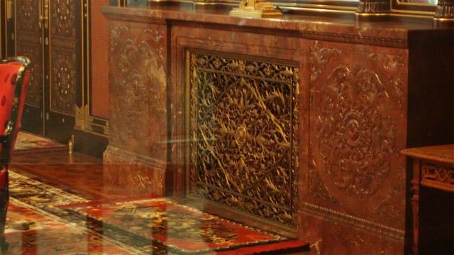 御休所内の暖炉は静岡県島田市産の『紅葉石』