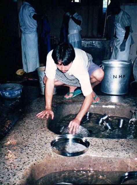 インド修業時代。皿洗い?