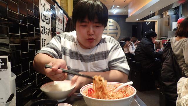 ご飯と食べれば辛くなくなるのでは?