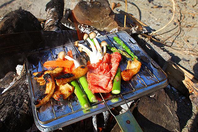 すき焼き用の肉ですが普通に焼いてもうまい。