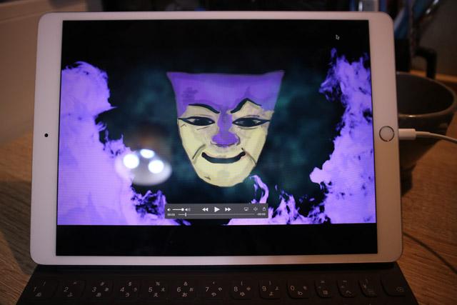 映像を映すモニターは、サイズ的にiPadを使うことにした。