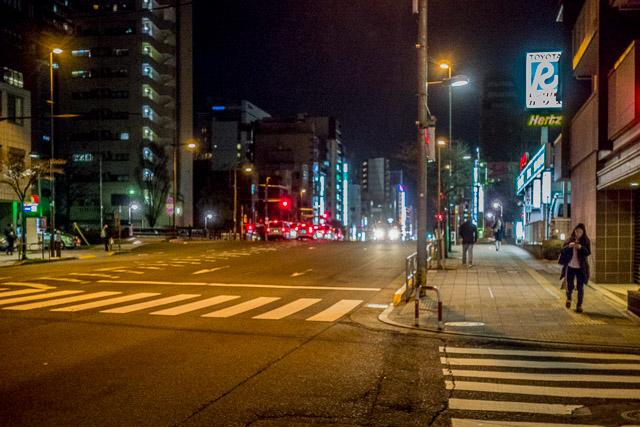 進むべき方向もはっきりしており、歩道も広くて、いざとなったらありがたいのだろうけど、なんか、つらい。