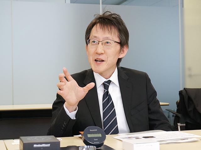 話を聞きに来たやつらが予想以上に文系過ぎて、不安そうな長井さん。