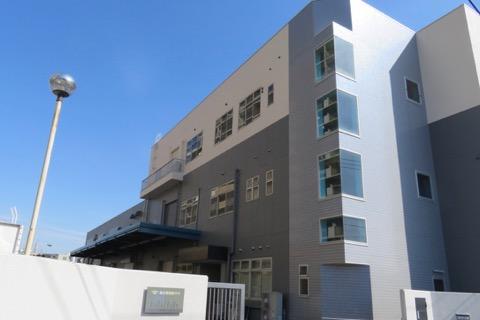 島田電機製作所本社。オフィスと工場が入る。