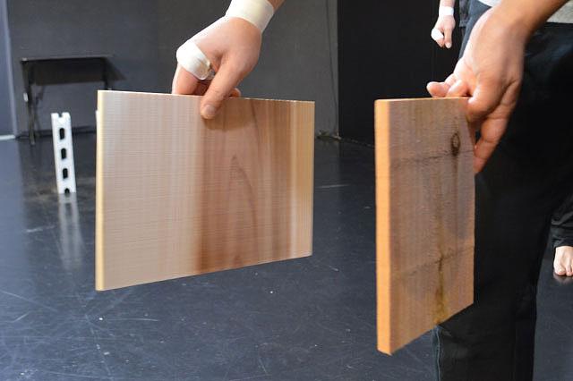 左の板が7mm、右の板が12 mm、いずれもAmazonで買える