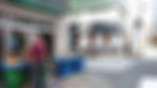 初日に先輩と新人数名で昼ご飯に行ってナポリタンを食べた店は別の店になっていた