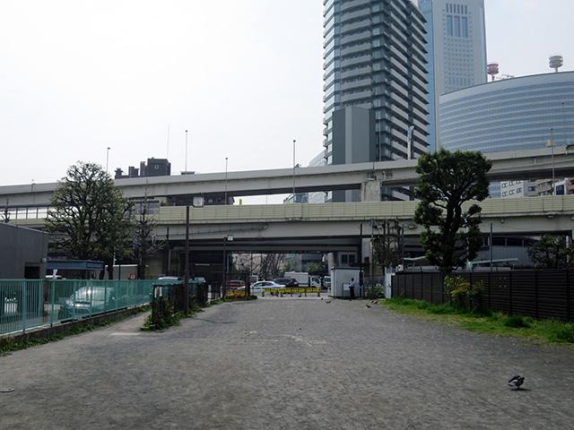 首都高の開通と京王線の地下化はほとんど同時期だったようだ