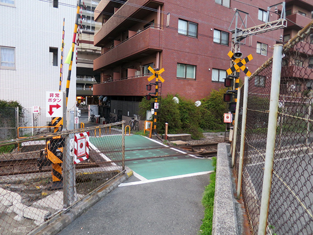 都会の単線の踏切、珍しくないですか