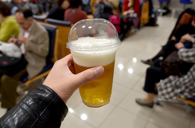 生ビールは東京駅新幹線改札内の売店で買える