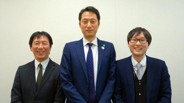 (右から)三菱電機の木村さん、稲垣さん、黑須さん。木村さんは「ビル計画部」、稲垣さんと黑須さんは「昇降機営業技術部」に所属。