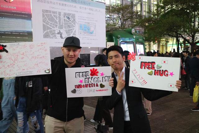 ピーター(左)とジョシュア(右)の二人組。ピーターは映画監督をやっていて、日本のホラー映画が好きとのことだ
