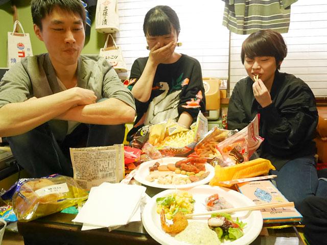 橋田さんのお惣菜も、オードブル的に広げる