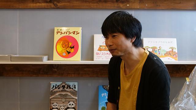 漫画家の堀道広さん。元々漆職人の道に入ってたが今は漫画家を