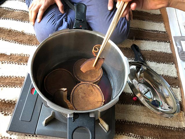 圧力鍋で煮込まれたもの完成