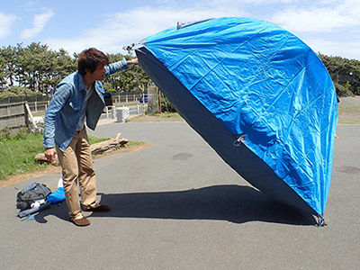 このテント、最初どこから入るのかわからなかった。