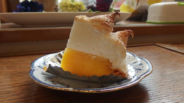 昭和の優雅な喫茶店が似合うお菓子。どれも魅力的ですが最後の人んちのもぐっときます。