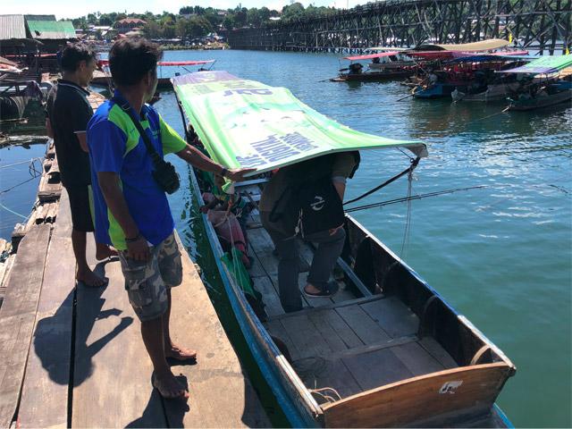 漁師さんがボートで魚釣りに案内してくれるというのでお願いしてみることに。半日お世話してもらって日本円で三千円ほど。安い。