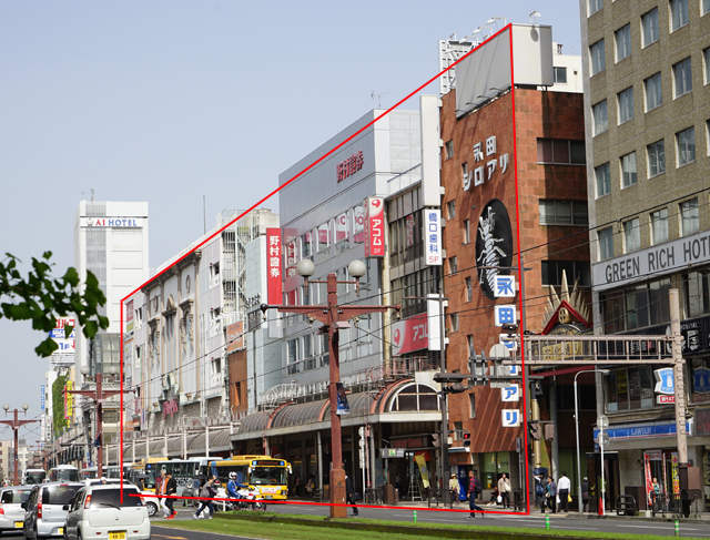 大体赤で囲った範囲が解体され、再開発ビルが建てられる。