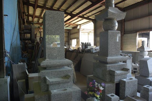 そして完成した墓石たち。