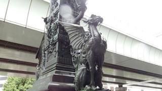 日本橋のかっこいい麒麟の像。