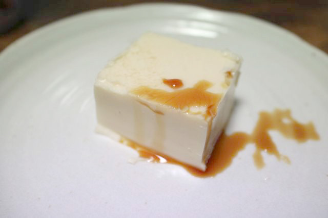 四角に切って醤油をかければ見た目は完全に豆腐だ。