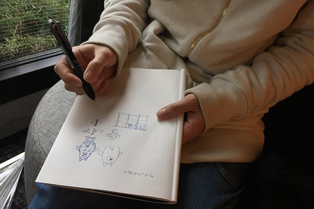 デザインはかつてダンボールでATMを作った</a>テクノ手芸部のよしださんにお願いした