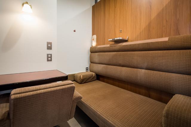 5階のA寝台ロイヤルは、半個室(写真:トレインホステル北斗星)