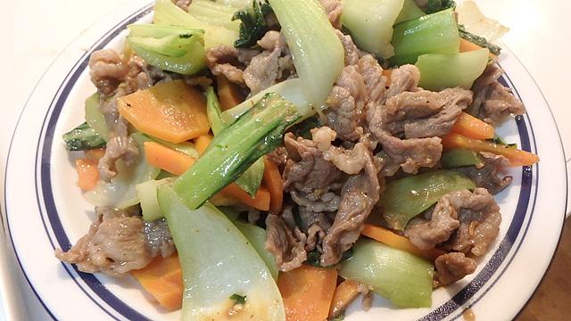牛肉とチンゲンサイのスパイス味噌炒め。