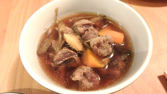 牛スジとゴボウの煮物。