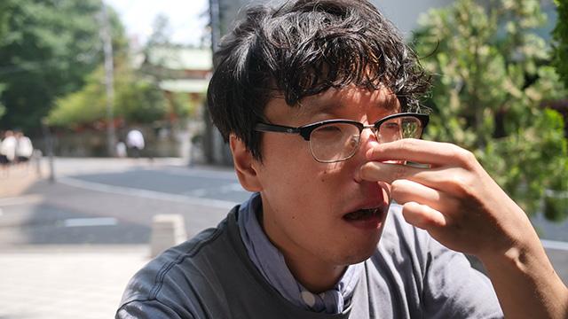 鼻をつまむと食感は残る。しかしおいしさは残らない。食感自体においしさはないのだ
