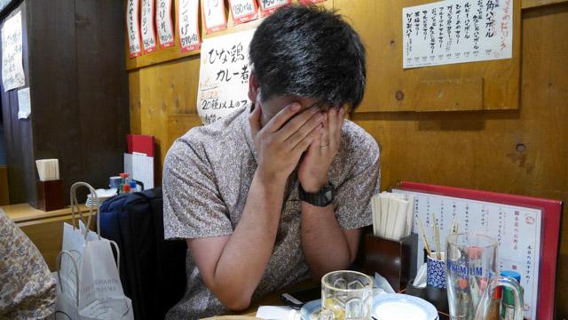 仕込みのような終わりにふさわしいカードを見て、心のなにかがちぎれた松村さん。「俺たちは過去からできてるんだ」「むかしがいまの俺を作っている」とふだん言わないことを言い出した。少しこわかった。