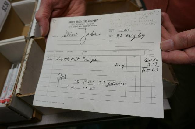 スティーブ・ジョブズが来た時の伝票だという