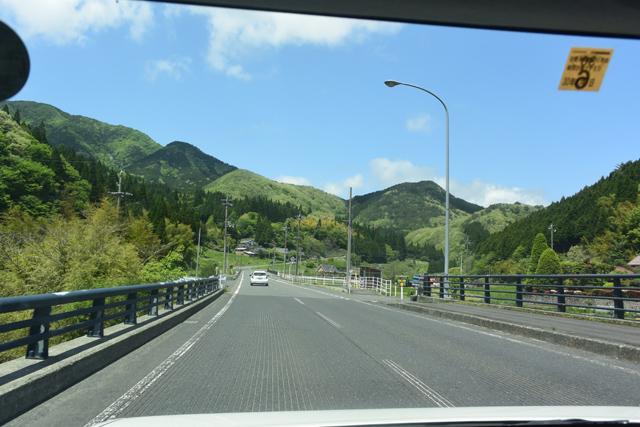 しかしこの日はピーカンで山の緑もなんだかキラッキラして気持ちよかった。