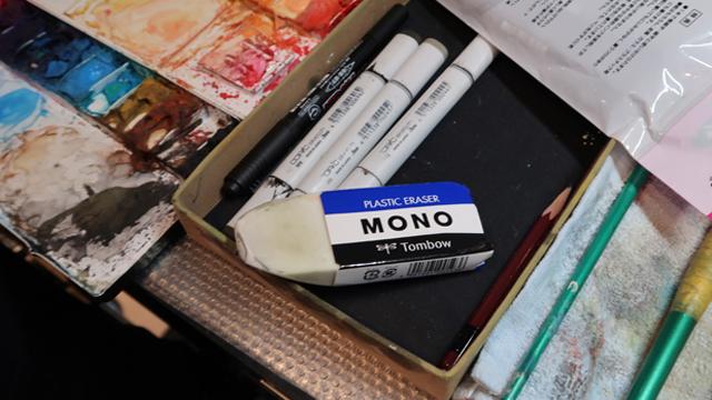 前に店頭で見て「これ誰が買うんだろう」と思っていた超でかいMONOが、目の前で使われていた