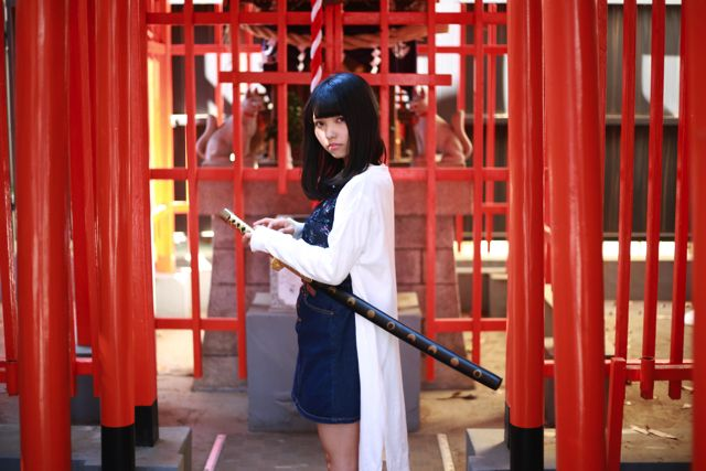 振り向くと腰には日本刀が刺さっているのだ。イッツビューティー!イッツアメイジング!!