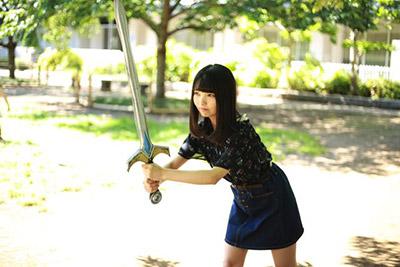 ただ構え方を教えないとひどいことになる。一気に妄想から現実世界に引き戻される。剣を持っている吉岡さんには負ける気がしない。