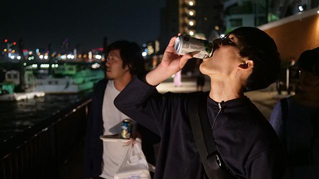 野口「水辺はお酒を飲むと気持ちいいんですけどコンビニがないんです。そこは両立しない」ファミリーマート隅田川川べり店ビジネスチャンスや