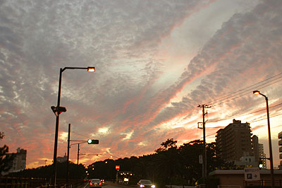 鴨川市、亀田病院の前から見た夕焼け。