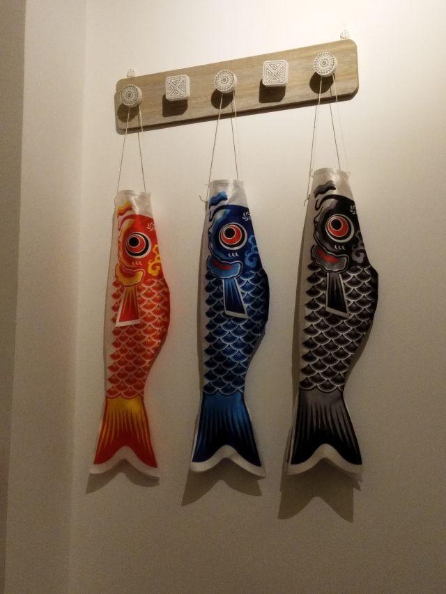 とりあえず鯉のぼりが子供の日と関係なくつるされている。鯉のぼりは日本の代名詞。